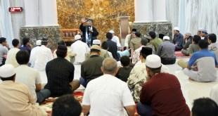 Saat Ust.Hari Moekti memberikan tausiyah kepada para Jamaah Masjid Jami Aliyah.  (bwa)