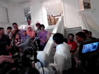 Wawancara Ahok dipotong seorang ibu muda yang kecewa dengan Jokowi (detik.com)
