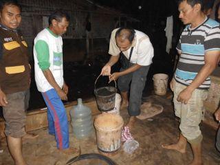 Pelatihan Biogas oleh LIPI kepada para peternak MTN di kampung Cilangkap Desa Manyeti Kecamatan Dawuan, Kabupaten Subang. Kamis (19/6/14).  (sayasih/mtn)