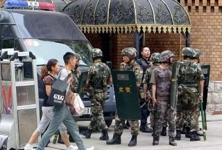 Polisi China di Turkistan Timur (Anadolu)