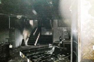 Kondisi Rumah Ustadz Jefri (Uje) setelah kebakaran, Jumat (20/6/14).  (detik.com)
