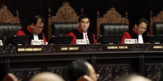 Hamdan Zoelva, Hamik MK saat memimpin Sidang sengketa Pilpres 2014 di Mahkamah Konstitusi.  (kompas.com)