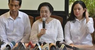 Megawati Soekarnoputri bersama Jokowi dan Puan Maharani (satuharapan.com)