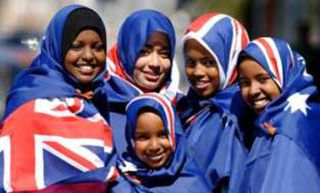 Muslimah Aborigin Australia.  (www.albushraa.com)