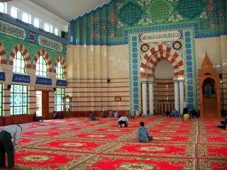 Interior Masjid Blok A Tanah Abang. (s195.photobucket.com/user/rilham2new)