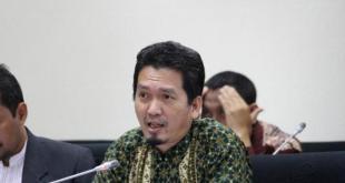Almuzzammil Yusuf, Politikus Partai Keadilan Sejahtera (PKS).  (viva.co.id)