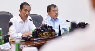 Presiden Joko Widodo saat memimpin rapat kabinet.  (detik.com)
