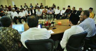 Sejumlah tokoh Sulawesi Selatan menggelar pertemuan pasca tragedi Tolikara, Rabu (22/7/15).  (almunawiy)