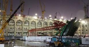 Musibah jatuhnya crane akibat terjangan badai di Makkah. (tempo.co)