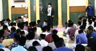 Wakil Ketua MPR RI, Hidayat Nur Wahid saat sosialisasi empat pilar di Ponpes Modern Baitussalam Prambanan, Yogyakarta, Senin (18/4/2016)