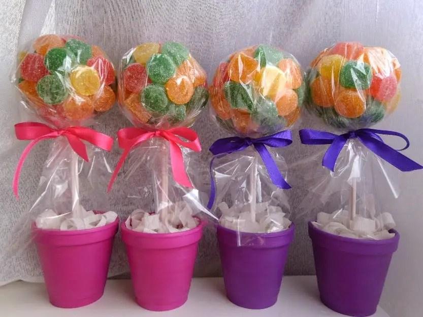 Centros de mesa con dulces dale detalles - Como hacer centros de mesa con dulces para bautizo ...