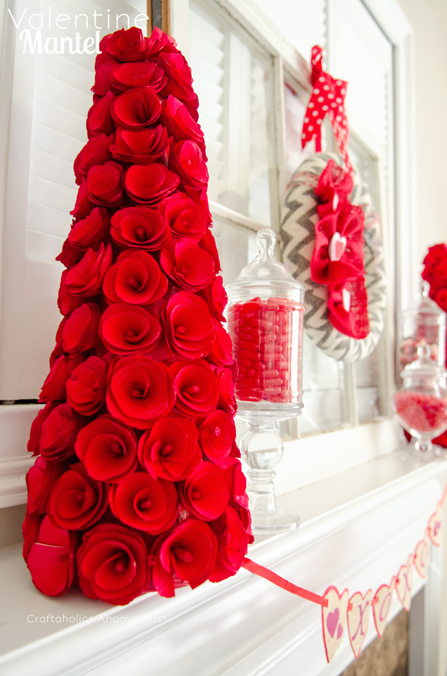 Ideas para decorar el d a de san valent n dale detalles for Decoracion de puertas de san valentin