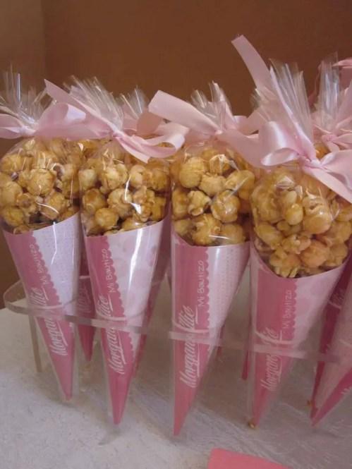 dulces en conos de celofan6