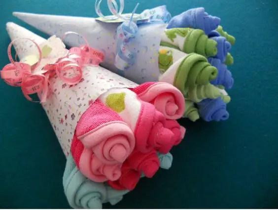 bouquet con ropa de bebe1