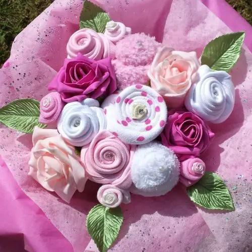 bouquet con ropa de bebe15