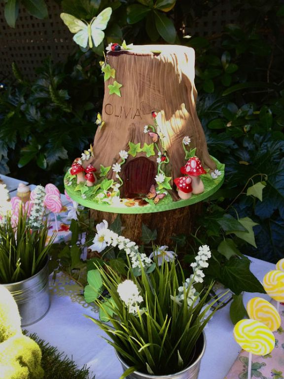 woodland+cake+w+butterfly+on+top