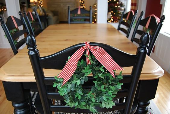 sillas-decoradas-para-navidad13