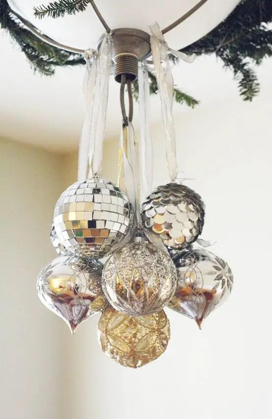 Ideas para decorar l mparas de techo en navidad dale for Ideas para decorar en navidad