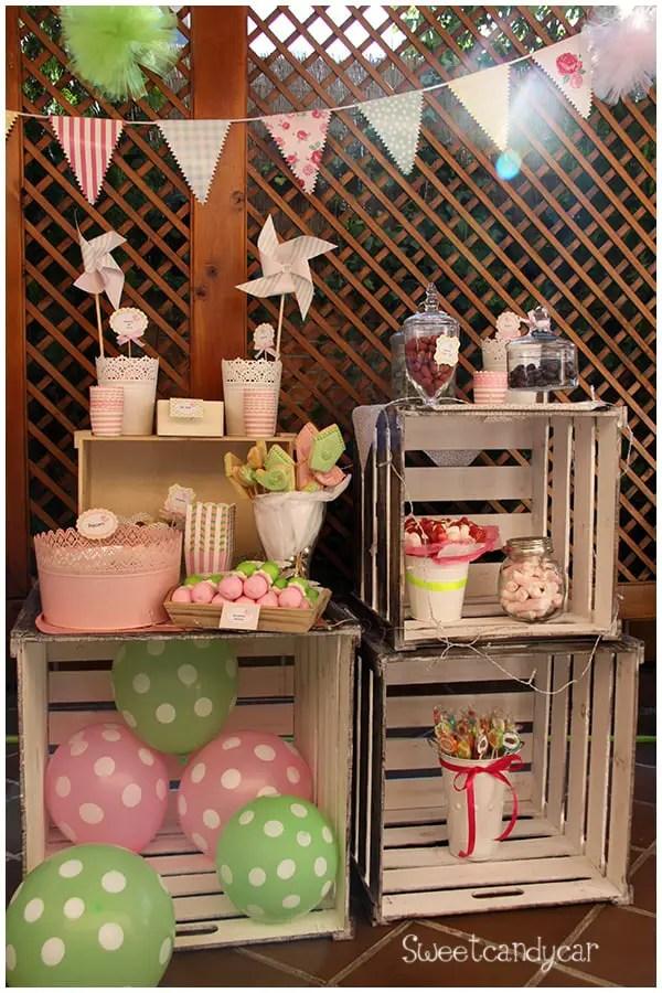 Mesas de dulces usando cajas de madera dale detalles for Decoracion mesas dulces
