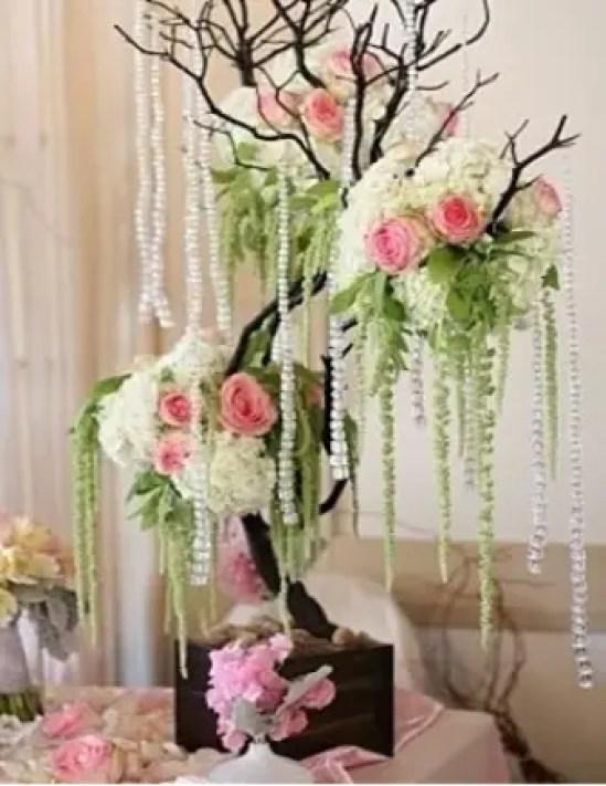 Decoraci n con perlas dale detalles for Decoracion con ramas secas