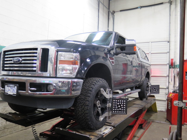 '05-16 Ford F250, F350 & F450 4WD – 2.5″ Truxxx Front Leveling Kit