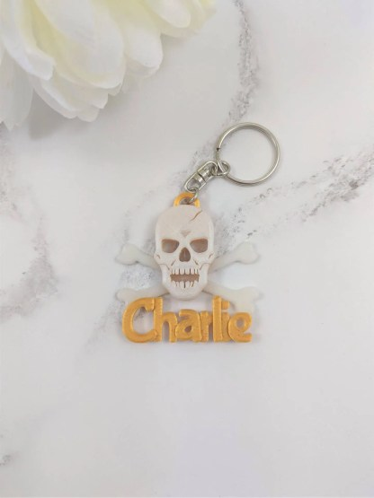 Gold Skull and crossbones keyring