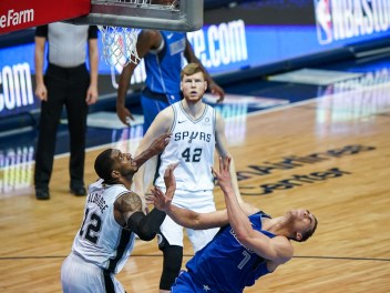 Dallas Sports Fanatic (18 of 33)