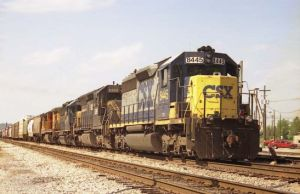 csxt_southbound_freight_train