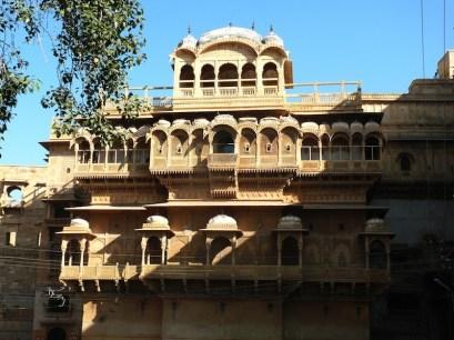 Jaisalmer, sontuoso haveli nella cittadella. Così sono chiamate le antiche dimore affrescate costruite dai ricchi commercianti