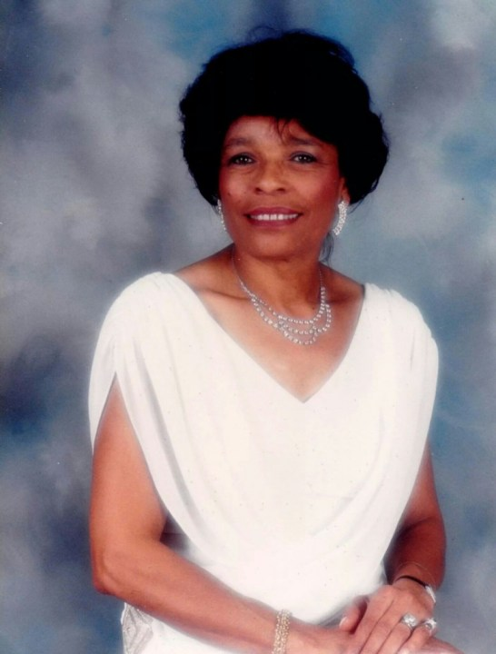 Wife, Mother and Community Leader Jonnie Mae Catoe Dies at 86