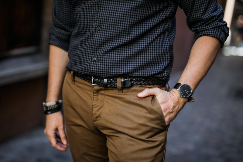 look chino camel DamienLB accessoires
