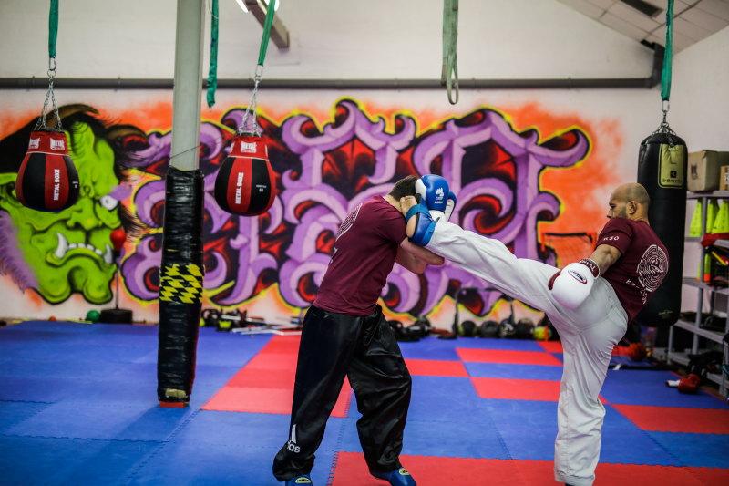 pratiquer un sport de combat damienLB (16) mawashi geri