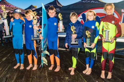 Boys U10 finalists (L to R) 1. Hudson Saunders, Laguna Beach; 2. Makai Bray, San Clemente; 3. Jonas Meskis, Moorpark; 4. Maddox Bray, San Clemente; 5. Timothy Simmers, Oceanside and 6. Bryse Celaya of Huntington Beach braved big waves and stormy weather at the Pismo Pier on Nov. 15, event No. 4 of the WSA season. Photo: WSA/Jack McDaniel