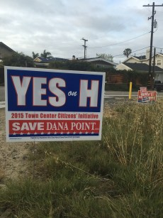 Campaign signs are popping up around the city in support of DPRRD's Town Center Initiative (Measure H). Photo: Andrea Swayne