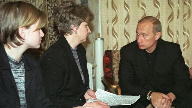 Putin meeting relatives of Kursk disaster victims