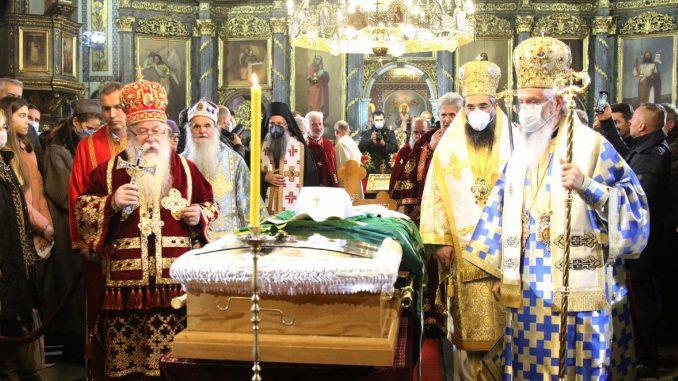 I Vučić i Selaković lobiraju za tron Svetog Save 1