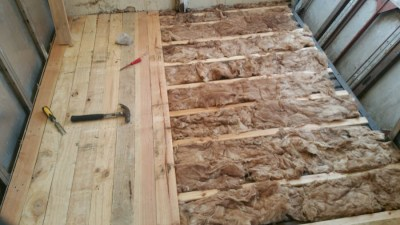 Floorboard installation after the insulation