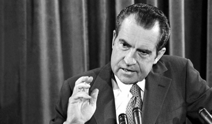 https://i1.wp.com/www.danchimviet.info/wp-content/uploads/2018/08/pic_giant_030315_SM_Richard-Nixon-2-696x406.jpg