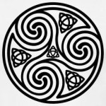Celtic-Triple-Spiral-T-shirt