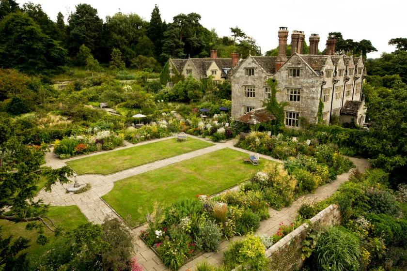 best luxury hotels, manor houses, castles and estates for a stay in the English countryside
