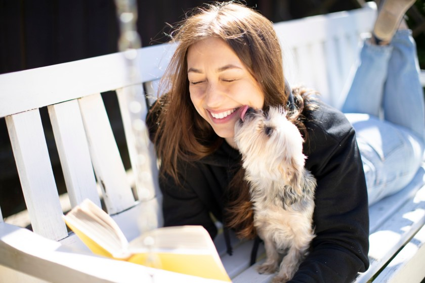 expert tips from the founder of virtual book club app Fable on how to read more books and become a more regular reader