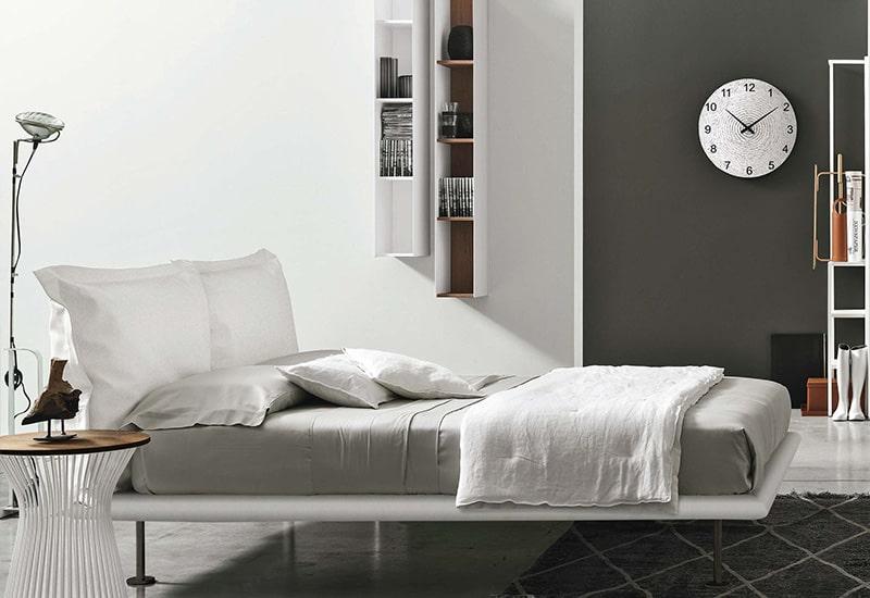 La progettazione di una camera da letto in stile moderno nel 2020 implica principalmente il minimalismo nei mobili e negli elementi decorativi. Zona Notte Arredo Camere Da Letto In Provincia Di Lecce D Andrea Design