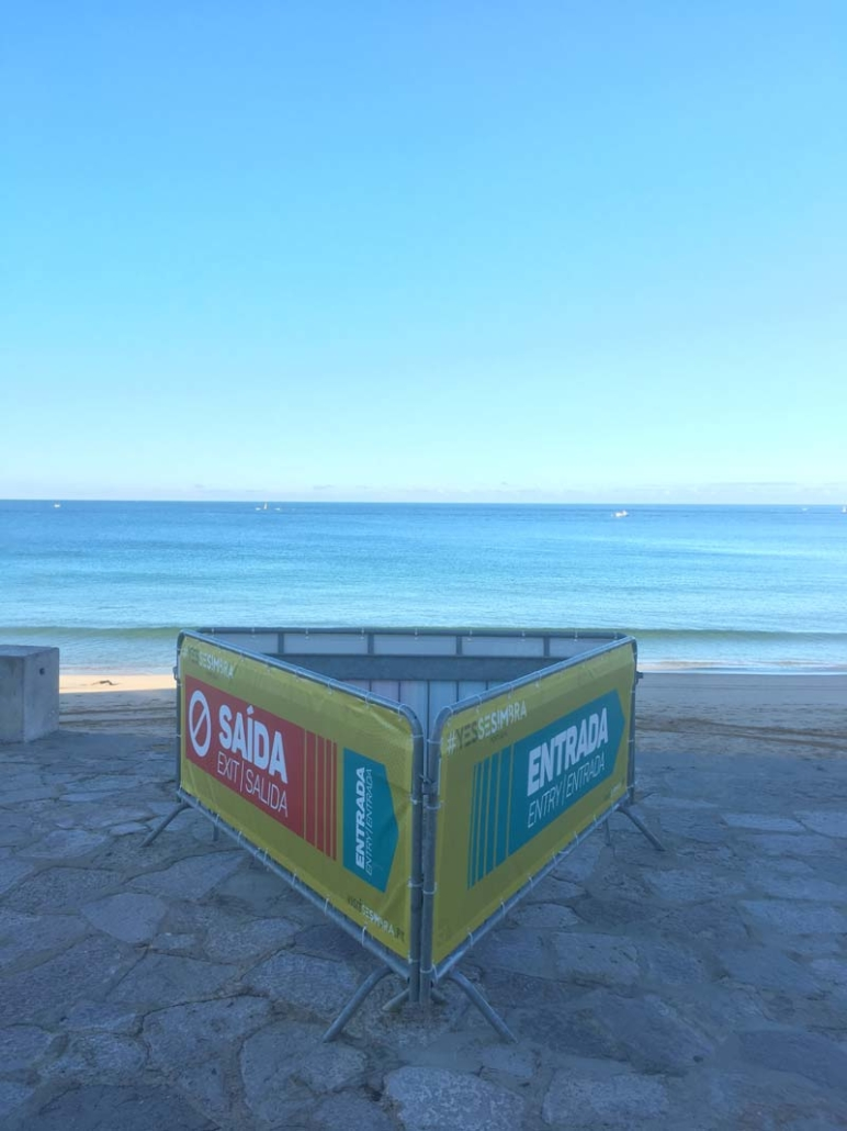 One way beach system in Sesimbra
