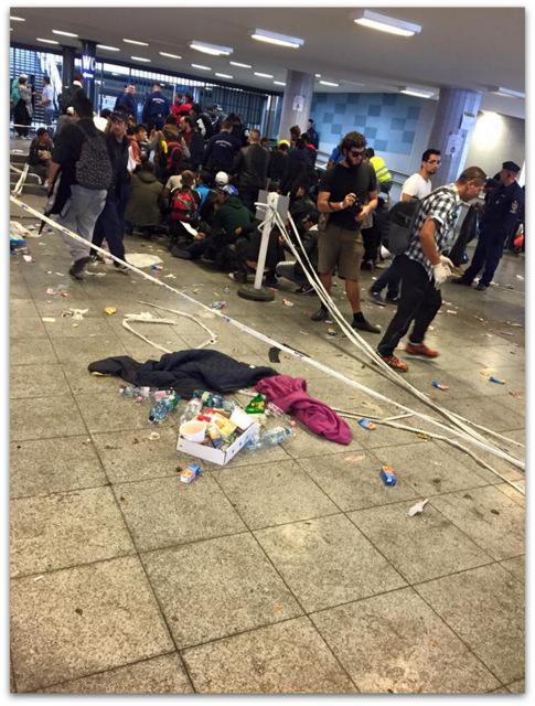 Budapest-Keleti Railway Terminal refugees Syrian trash
