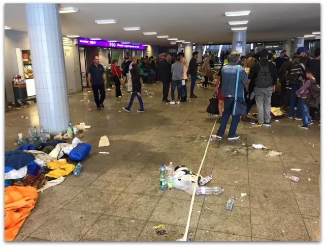 Syrian Refugees trash Budapest-Keleti Railway Terminal