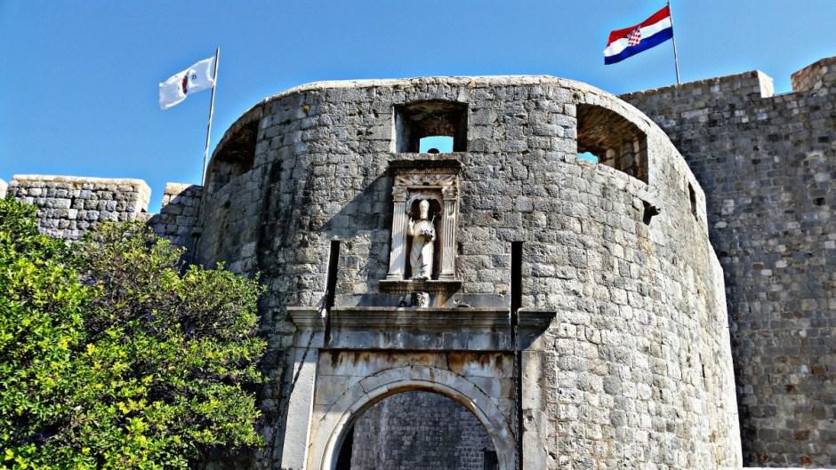 Piles Gate