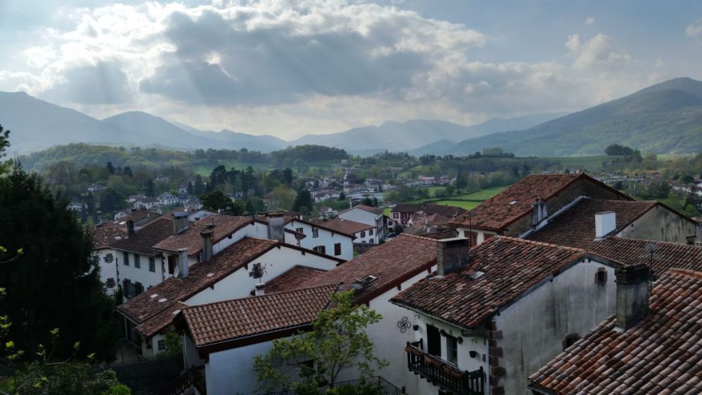 Walking the camino franc s sjpp to roncesvalles dang travelers - St jean pied de port to santiago ...