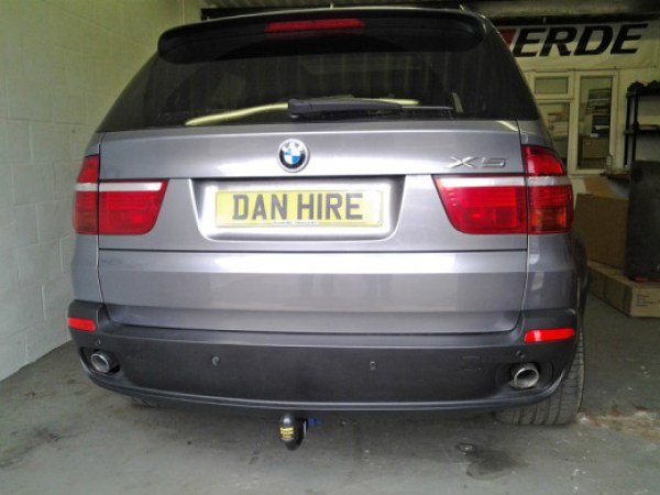 NEW-DETACHABLE-TOWBAR-FITTED-TO-BMW-X5