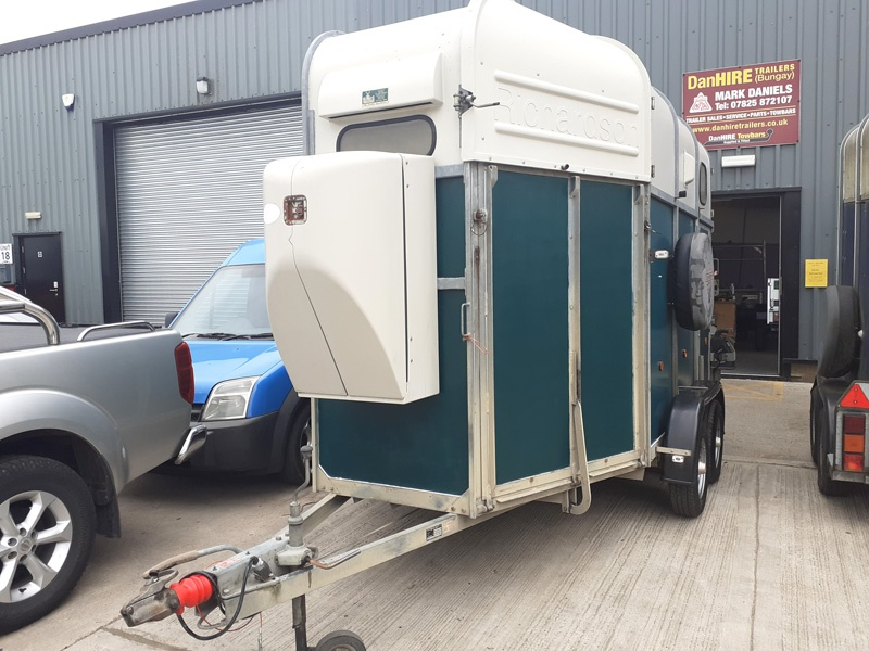 RICHARDSON 3 HORSE TRAILER