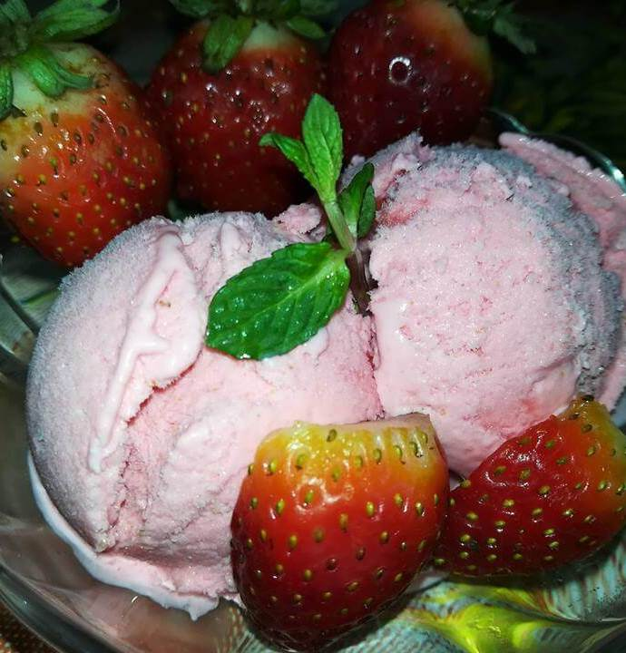 Quick and Easy Homemade Strawberry Ice Cream recipe